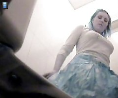 Really sexy mommies pees in spycammed toilet